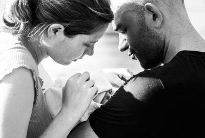 Lena, Alex & Baby Andreas – natürliche Familienfotos